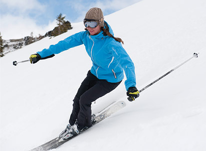 Female skier parallel turn